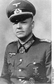 Il generale Otto Fretter-Pico , comandante della 148. Infanterie-Division tedesca