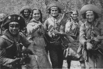 A partir de 1930, les femmes ont fait partie du groupe de cangaceiros
