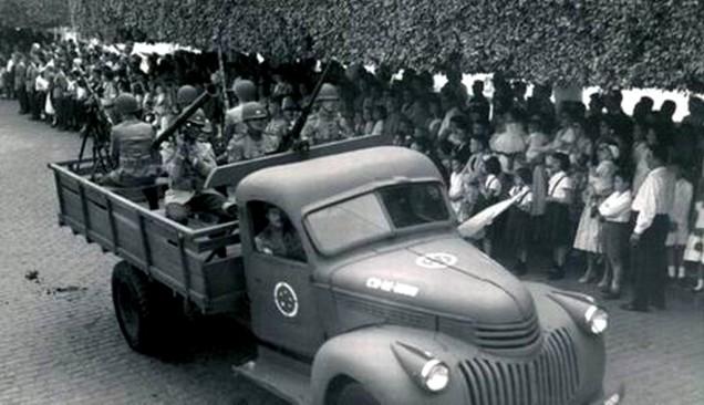 Trasporto veicoli dell'esercito brasiliano nel 1941 -http://viaturasbrasil.blogspot.com.br/2012/06/chevrolet-1941-exercito-brasileiro.html