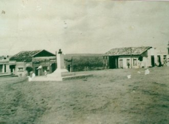 Itapicurû, État de Bahia, cinquante ans après la Guerre de Canudos - Source - http://historiavivasuzybrilho.blogspot.com.br/