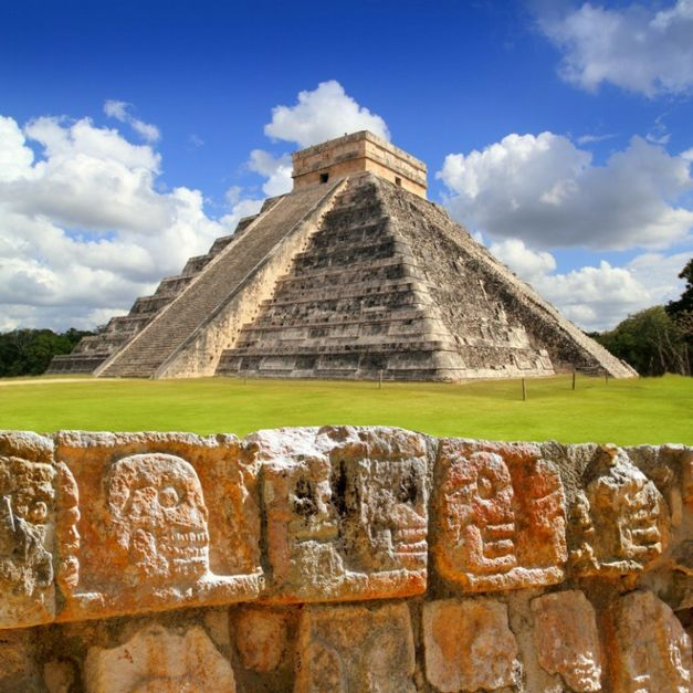 Pirâmide Kukulkan, em Chichen Itza, no México