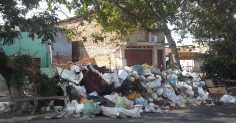 Lixo no bairro do Alecrim, Natal, 2012