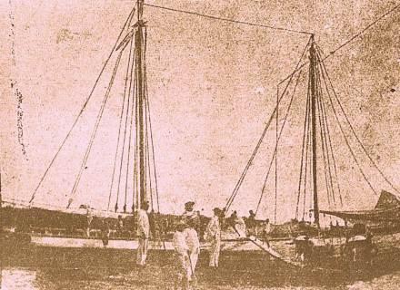 Barco tradicional utilizado no transporte de sal