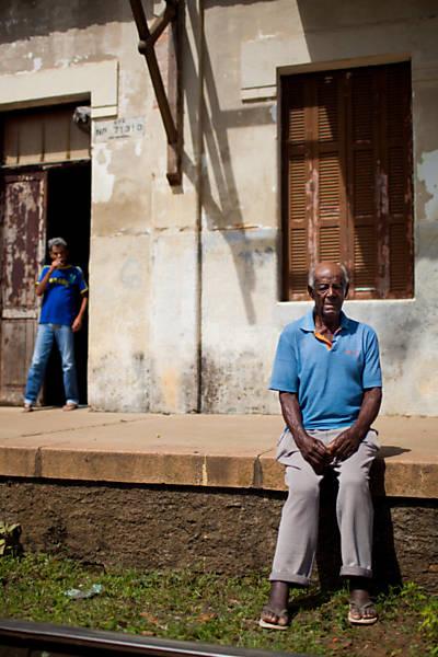 Aloysio Silva foi uma das 50 crianças trazidas para trabalhar na fazenda, todas atendiam por números e não pelos nomes, Aloysio era o número 23 - Carlos Cecconello/Folhapress