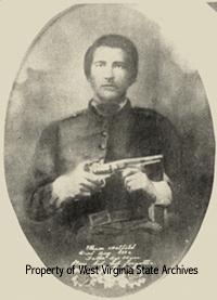Ellison Hatfield como soldado Confederado