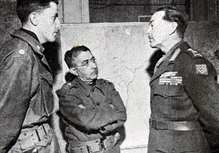 O Gen. Morais (centro) junto a oficiais aliados - Fonte - FGV-CPDOC