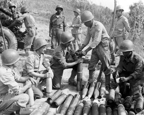 Artilheiros da FEB na Itália. Todos os soldados brasileiros estavam sujeitos a rígidos códigos militares