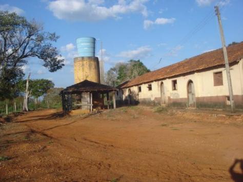 Parte da fazenda Cruzeiro do Sul está em ruína. (Foto: Divulgação)