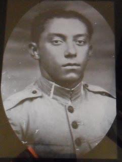 Sargento Otávio Farias- rádio telegrafista, serviu na Várzea da Ema- tran smitia as batalhas entre cangaceiros e policia.
