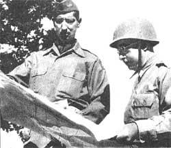 Juntos na Itália os generais Mark Clark (esq.) e Mascarenhas de Morais (dir.)