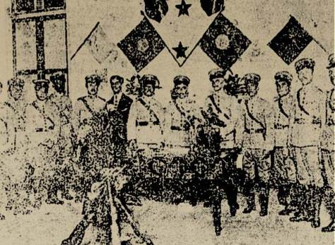 Apesar do estado limitadop desta fotografia, ela mostra oficiais da Polícia Militar do Rio Grande do Norte, se preparando para seguir para o sertão para combater os cangaceiros que desejavam invadir o estado em 1922