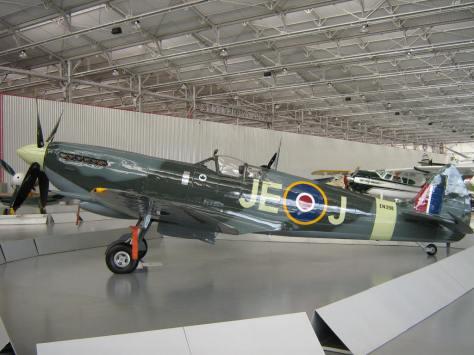 Vocês sabiam que existe um Spitfire em um museu no Brasil? Ele está muiton bem preservado e se encontra no Museu da TAM, em São Carlos, no interior do estado de São Paulo.