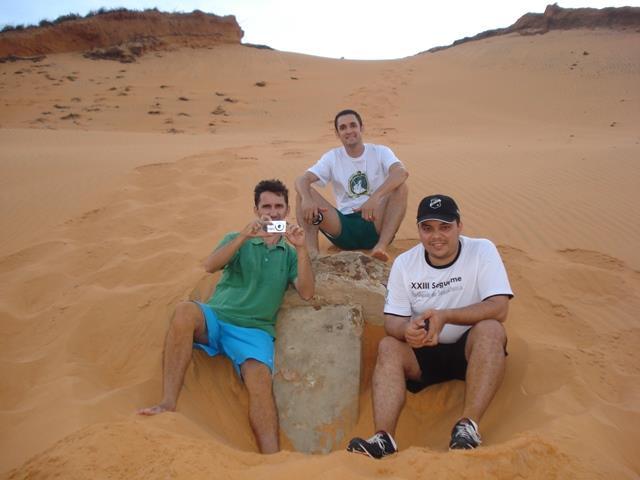 No marco no Morro do Navio vemos Keber Kennedy (com a cãmera), Flávio Gameleira e Március Vivícius em janeiro de 2013