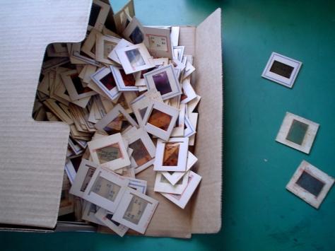 Situação como encontrei os slides originais do Projeto de Pé no Chão Também se Aprende a Ler no Arquivo Público do Estado do Rio Grande do Norte. A maioria já mofados. Espero que esta situação tenha mudado