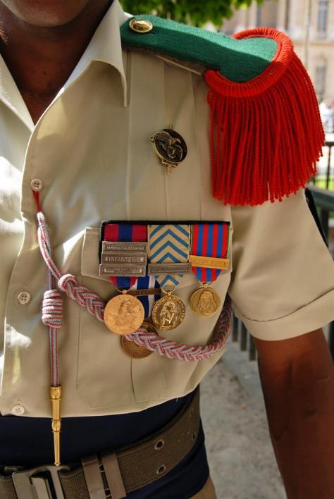 Um legionário e suas medalhas - Fonte - https://pt-br.facebook.com/photo.php?fbid=645263275487431&set=a.452398308107263.118940.452396964774064&type=1&theater