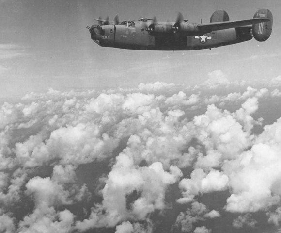 Uma B-24 sobre a selva amazônica em direção a Belém e depois Natal