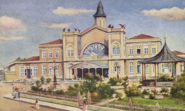 A Estação Ferroviária Central de Pernambuco, ou apenas Estação Central do Recife, inaugurada em 1885 pela empresa inglesa Great Western, que na época tornou-se proprietária da E. F. Central de Pernambuco, que na época seguia para Jaboatão e depois foi sendo prolongada sucessivamente no sentido oeste do Estado.