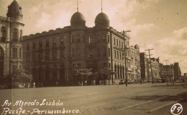 Avenida Alfredo Lisboa.