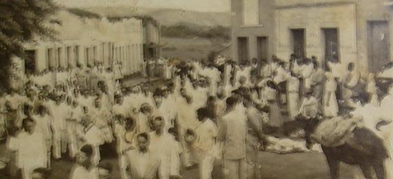 Santa Cruz da Baixa Verde em 1951, durante uma visita de Frei Damião.