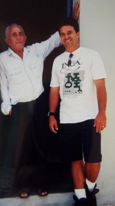 Junto a Seu Né, o antigo cangaceiro Candeeiro, em outubro de 1999