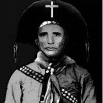 Segundo o meu amigo José Mendes, de Mossoró, este 'Cadeeiro nos tempos do cangaço - Fonte - http://blogdomendesemendes.blogspot.com.br/2011/04/porque-reuniao-no-coito-do-angico.html