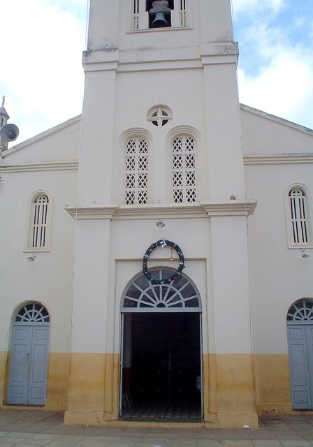 Fachada da igreja de Nossa Senhora do Perpétuo Socorro, em santa Cruz da Baixa Verde.