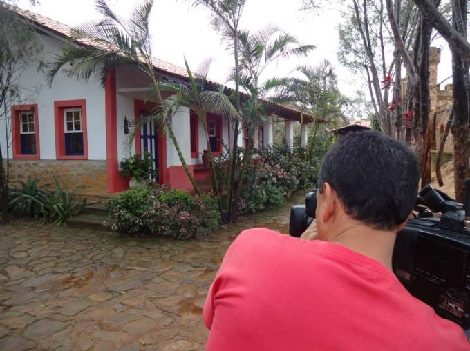 Osvaldo filmando as Almas