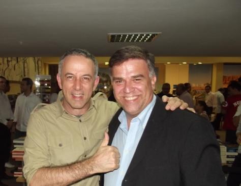 O autor deste blog junto a João Barone