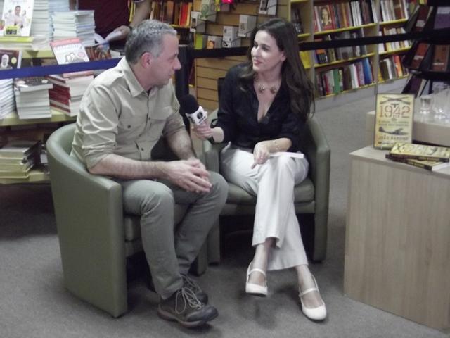 Barone sendo entrevistado pela jornalista Margot Ferreira, da Inter TV Cabugi