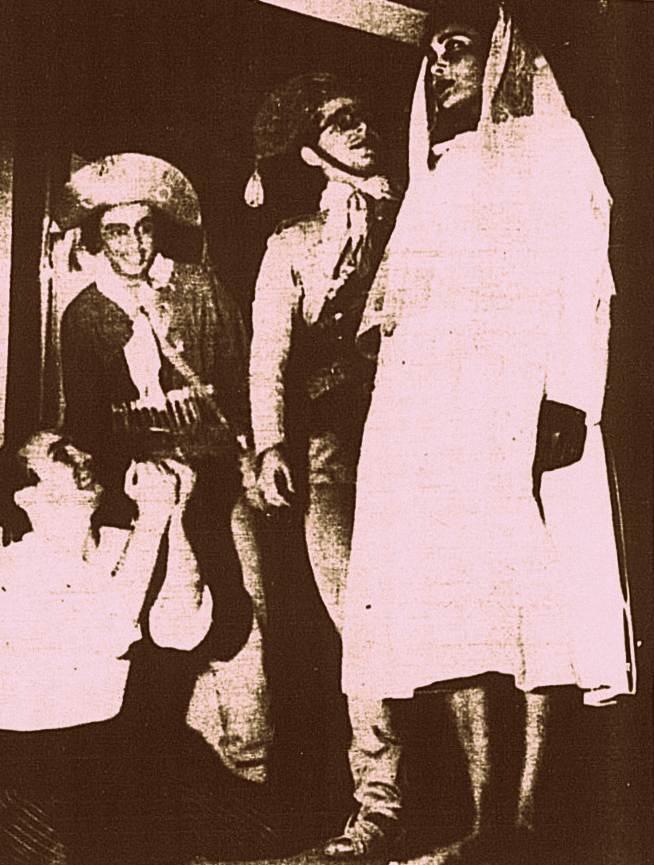 Representação do casamento de Lampião e Maria Bonita na caatinga.