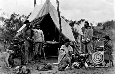 Rondon com oficiais da Comissão de Linhas Telegráficas de Mato Grosso - Museu do Índio