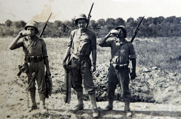 Três pracinhas do 11.º RI. na FEB - ACERVO FAMÍLIA NALVO