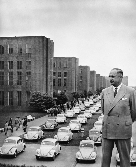 """Heinz Heinrich Nordhoff e os novos """"Carros do Povo"""""""