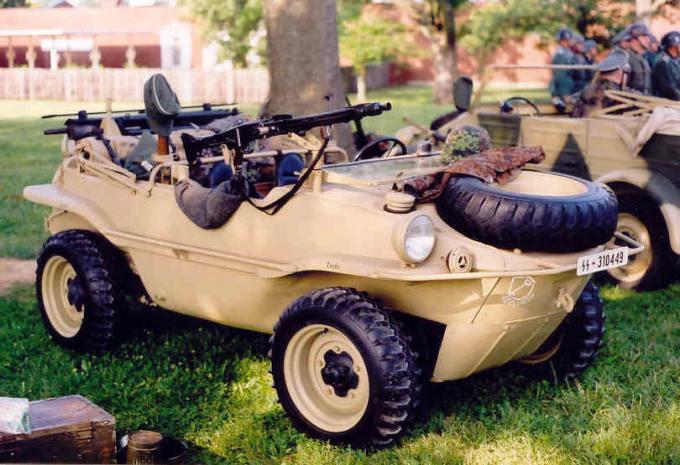 Um Schwimmwagen pronto para o combate