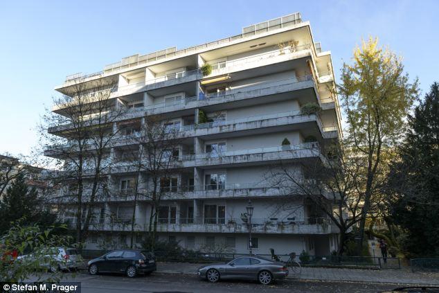 O edifício onde se localiza o apartamento que continha o tesouro artístico.