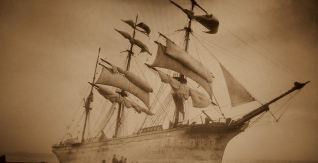 o Glenbervie, que encalhou, de Glasgow,  sobre as rochas em Coverack logo após encalhar em 13 janeiro de 1902. Este desastre foi muito festejado.