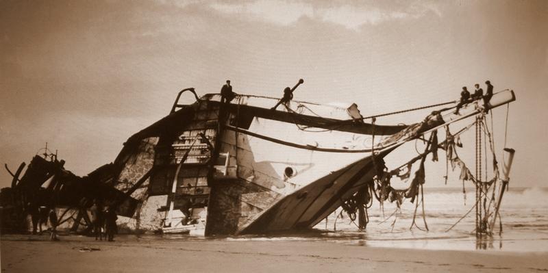 O Seine bateu em terra no dia 28 de dezembro de 1900. Vindo do Chile com uma carga de salitre e  a tripulação foi forçada a abandonar o navio em mar revolto. A barca era um desastre total e o que restou foi vendido por apenas 42 libras.