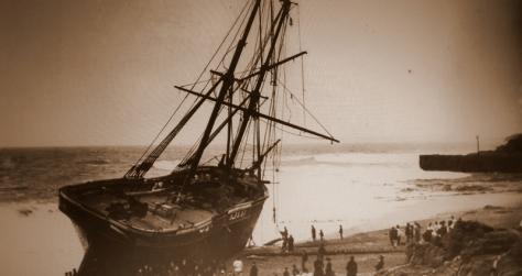 O Cviet que encalhou perto Porthleven em 1884 com a perda de três vidas.
