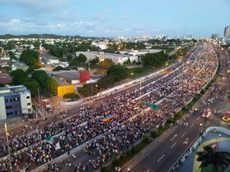 Movimento Revolta do Busão em Natal - Foto - Henrique Dovalle/G1