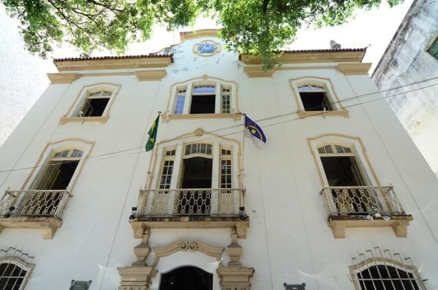 Fachada do Arquivo Púbico do Estado de Pernambuco - Fonte - http://www.cliografia.com/