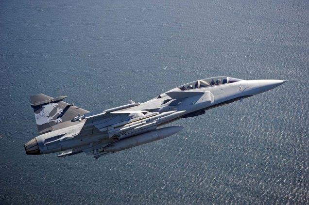 Swiss Pilots flies Gripen E/F Test Aircraft in Sweden