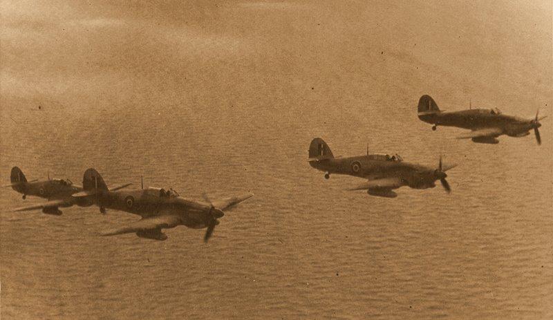 Hawker Hurricane - foi um dos mais famosos aviões de caça britânicos da Segunda Guerra Mundial. Fator de preservação de Malta nas mãos dos aliados.
