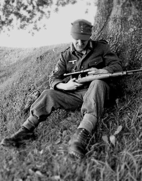 Um atirador de elite alemão. Igal a este Lyudmila matou 36.