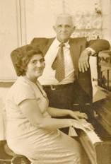 Chicó Pinheiro e Dona Zefinha ao piano