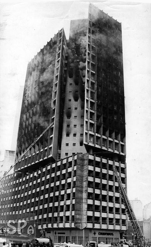 Edifício Joelma após a tragédia - Fonte - http://www.saopauloantiga.com.br/