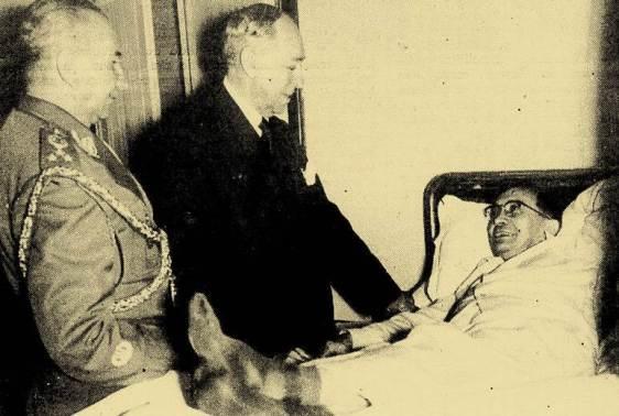 O presidente Café convalescente, sendo visitado por Nereu Ramos e um militar