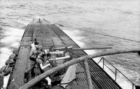 O barco onde o maranhense Luiz seguia foi afundado por um submarini, talvez alemão, como o U-103 da foto - Fonte - Bundesarchiv