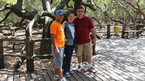 Com Carlos Santos e Claudia Perroni Mello, no Maior Cajueiro do Mundo.