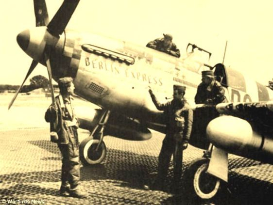 O Berlin Express e seu piloto (de cachimbo).