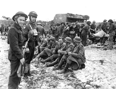 berniers-sur-mer-german-prisoners-guarded-by-canadian-troops-on-juno-beach-on-d-day-6-june-1944